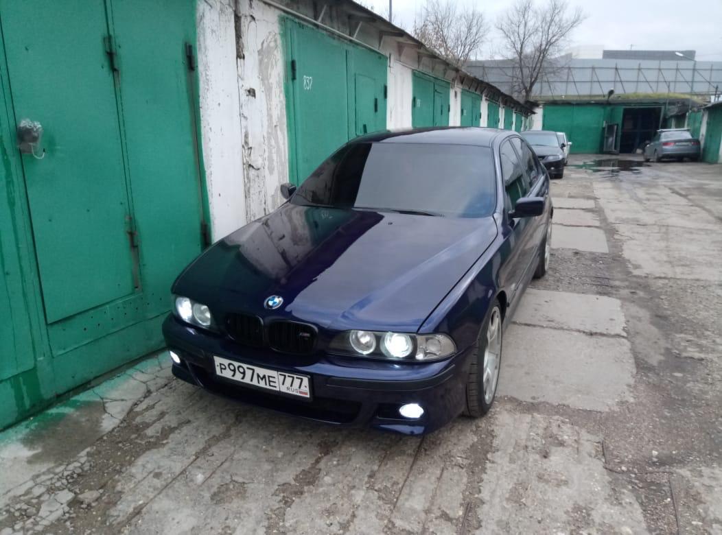 Бампер м5 ставили в Москве.
