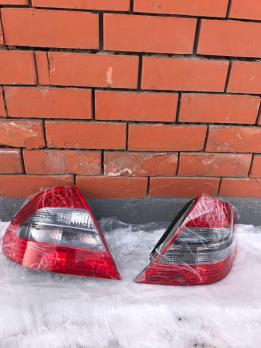 Задние стопы Mersedes-Benz W211
